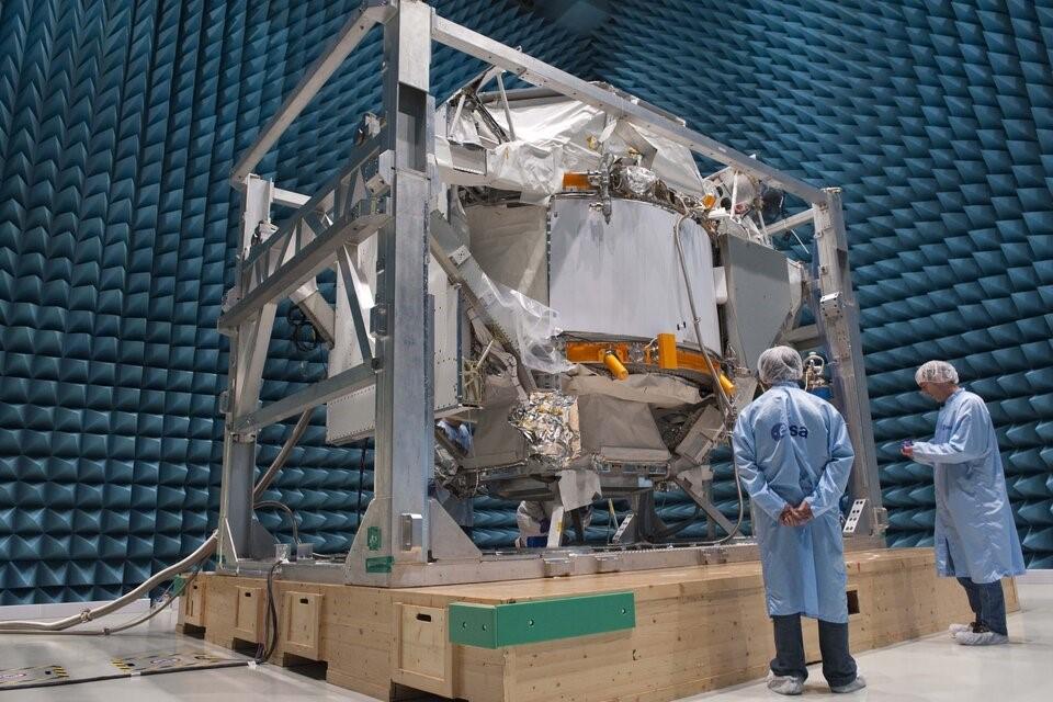 Tests EMC à l'ESA